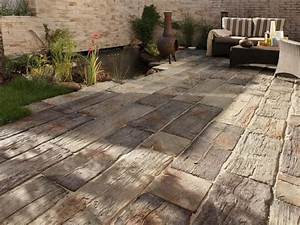 Terrasse In Holzoptik : steinplatten f r terrasse verlegen terrassenplatten ~ Sanjose-hotels-ca.com Haus und Dekorationen