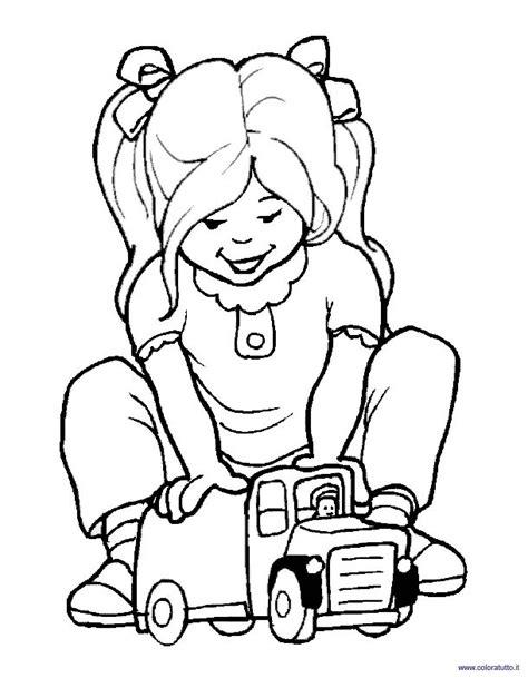 disegni con bambini che giocano bambini che giocano 5 disegni per bambini da colorare