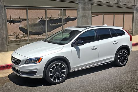 volvo v60 t5 one week with 2016 volvo v60 t5 awd cross country