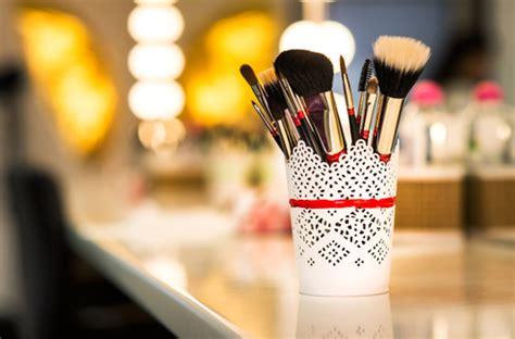 Pinceaux et éponges de maquillage