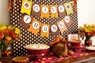 reveal kid friendly thanksgiving table