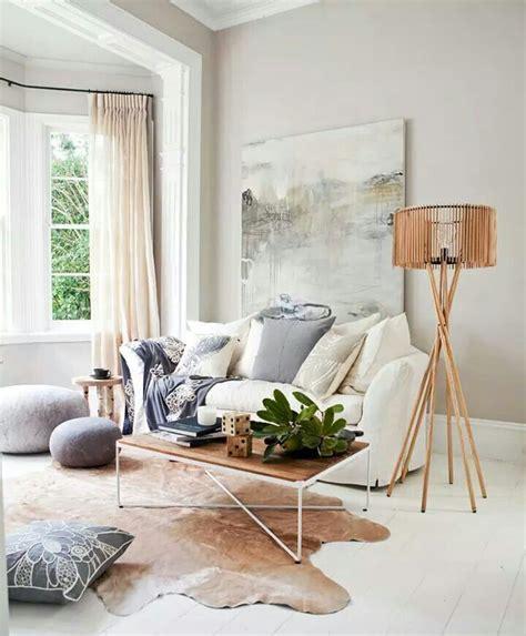 Cowhide Rug Decorating Ideas by 19 Cowhide Rug In Living Room Best 25 Cowhide Rug Decor