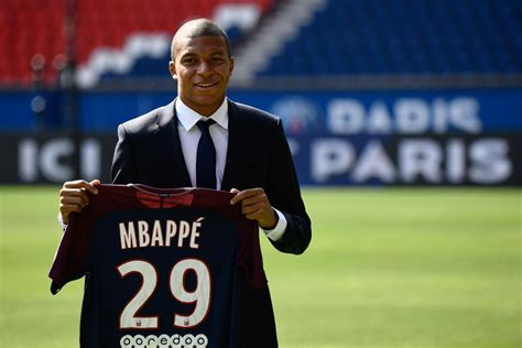 Jul 13, 2018 · moscow — kylian mbappe has electrified the world cup with his speed and youthful exuberance. Kylian Mbappé 2019 France Wallpapers and Background Images ...