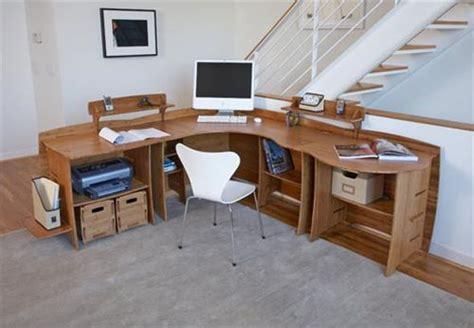 how to make a corner computer desk diy pallet corner desk and pallet table pallets designs