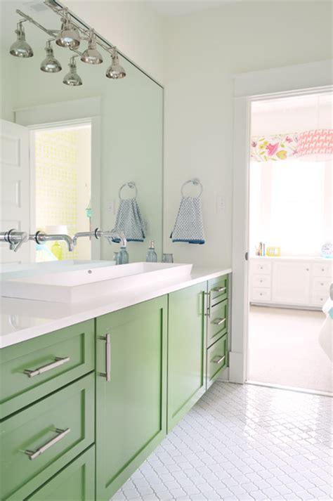 remodelaholic bold color   bathroom