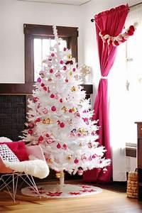 Weihnachtsbaum Mit Rosa Kugeln : weisser tannenbaum 60 elegante interpretationen ~ Orissabook.com Haus und Dekorationen