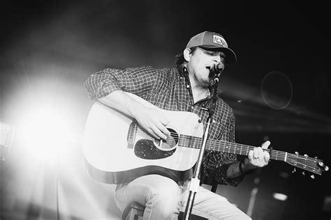 rhett akins receives inaugural acm songwriter   decade award