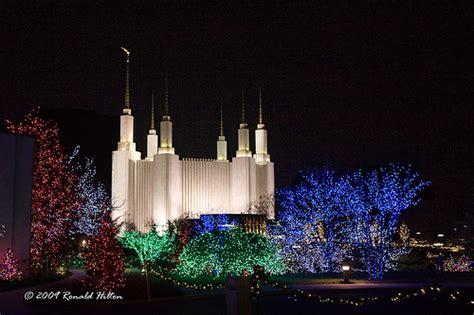 washington d c mormon temple during the season