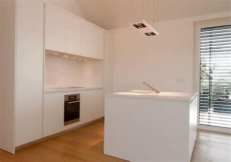 cuisine minimaliste cuisine minimaliste laqué blanc miwweltrend