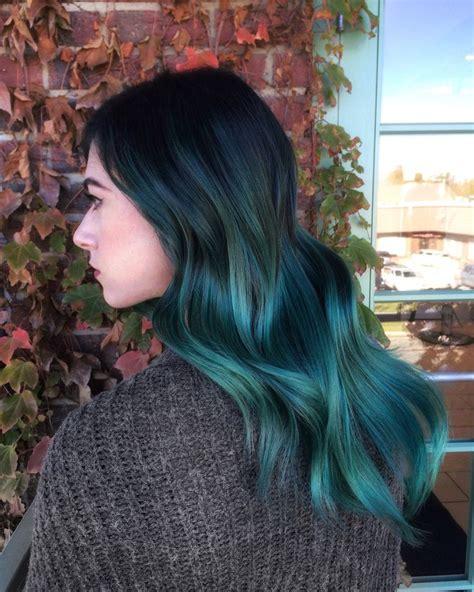 mignon turquoise couleurs de cheveux pour  coupe de