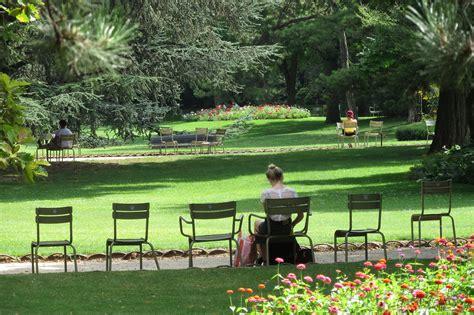 Flâner dans le serein Jardin du Luxembourg – ParisEncore.com