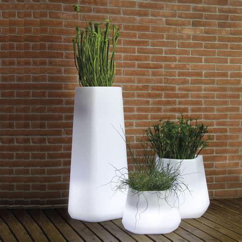 vasi da giardino moderni vasi luminosi da esterno leroy merlin