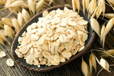 Is Eating Uncooked Oatmeal Healthy? Livestrongcom