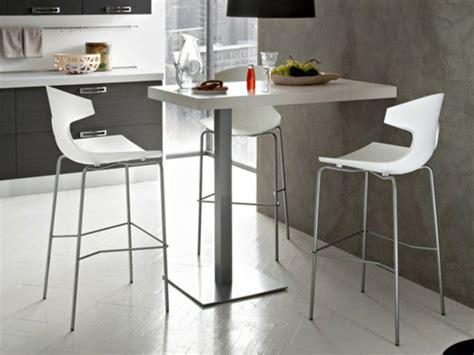 tables hautes de cuisine table haute et chaises de bar cuisine en image