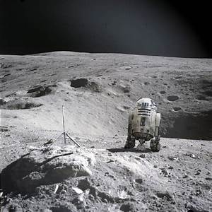 Alien Spacecraft Landed On the Moon - Pics about space