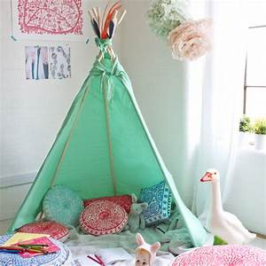 Cabane Chambre Fille : d coration tipi pour chambre d 39 enfant elle d coration ~ Teatrodelosmanantiales.com Idées de Décoration