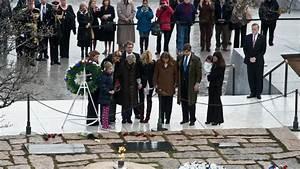 Video  La M U00e9moire De Jfk Honor U00e9e Sur Sa Tombe  U00e0 Arlington  Pr U00e8s De Washington