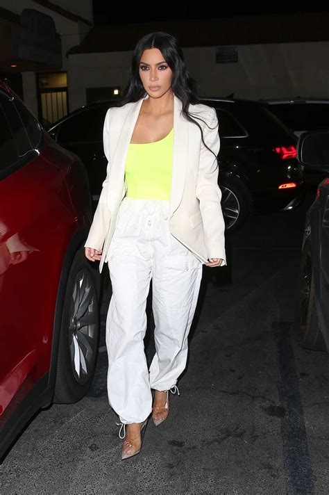kim kardashian   white pants night   hollywood