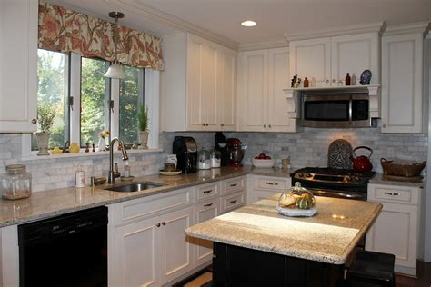 buying off white kitchen cabinets for your cool kitchen