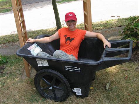 2 wheel garden cart rubbermaid garden carts wheels garden ftempo 3824
