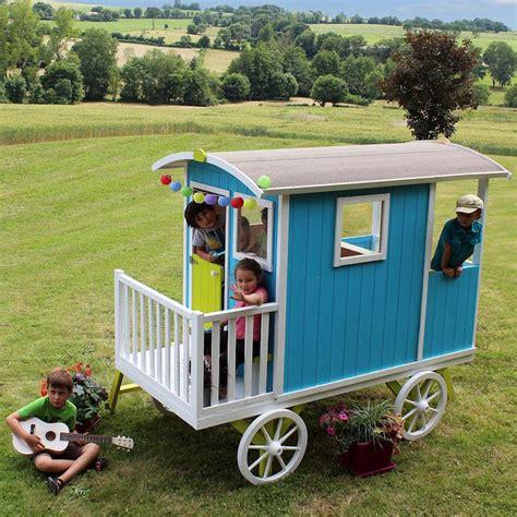 maisonnette en bois enfant 60 jolies demeures pour les petits