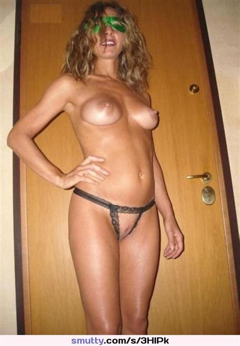 Hot mommy has a wonderful naked body  amateur  milf  mom  wife  housewife  babe  tits  boobs