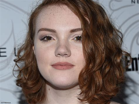 'stranger Things' Star Shannon Purser Comes Out As