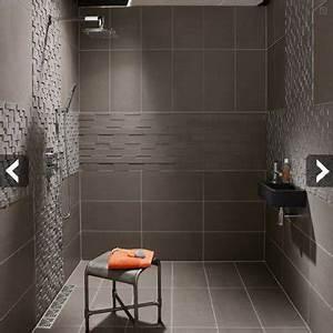 carrelage gris pour douche italienne d39une petite salle de With carrelage italien salle de bain