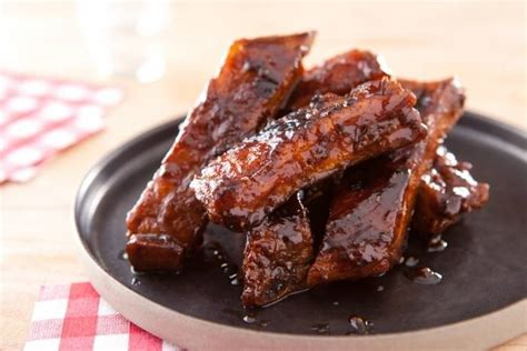 cuisiner des travers de porc recette de quot bbq ribs quot travers de porc confits aux épices