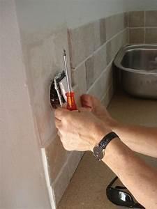 Brosse Electrique Pour Nettoyer Carrelage : poser du carrelage autour une prise de courant ~ Mglfilm.com Idées de Décoration