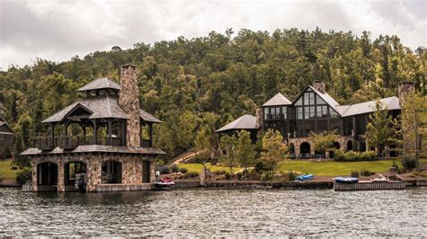 Boat House Duluth by Lakeside Living In The Luxury Boathouse