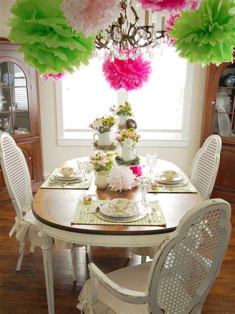 beautiful table arrangements  welcoming spring