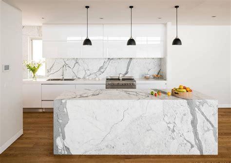 cuisine plan de travail marbre statuaire îlot et plan de travail de cuisine élégant