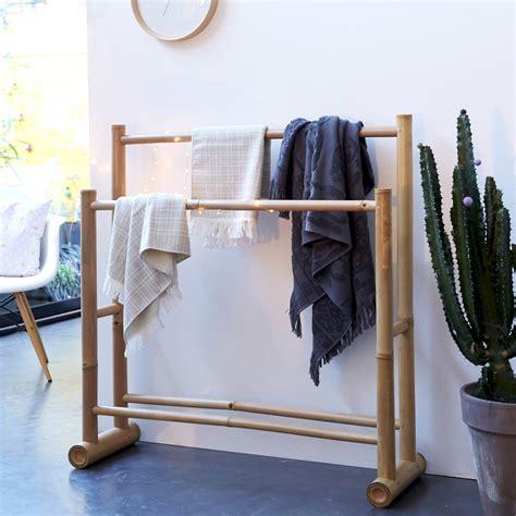 portant pour serviettes en bambou porte serviette naturel tikamoon