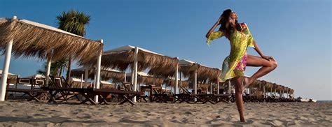 Beach Club Versilia  Stabilimento Balneare, Ristoranti E