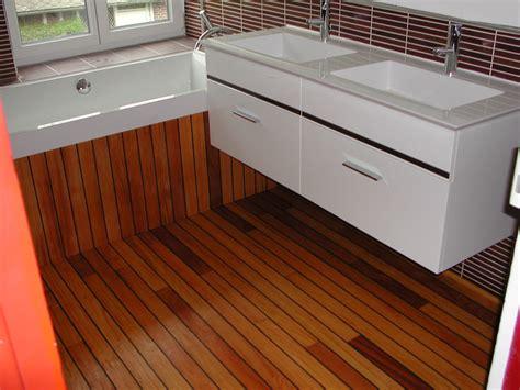 habillage baignoire sur plancher bois mzaol com