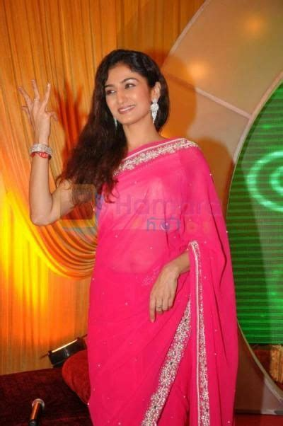 Anjali Mehta Hot Pics In Tarak Mehta Ka Oolta Chashma Hd