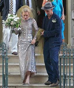 Piper Perabo Wedding - The Bride Society | The Wedding Resource for Fashionable Luxury Weddings