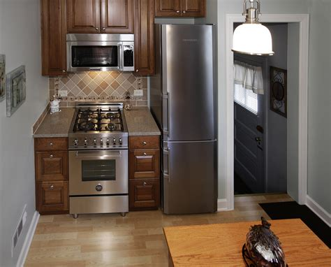 home decorating ideas for small kitchens small kitchens pictures dgmagnets com