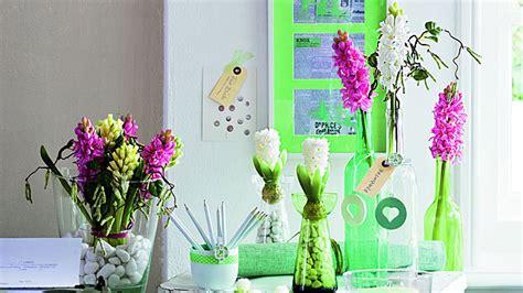 gläser dekorieren mit blumen fr 252 hlingsdeko neue trends und frische dekoideen