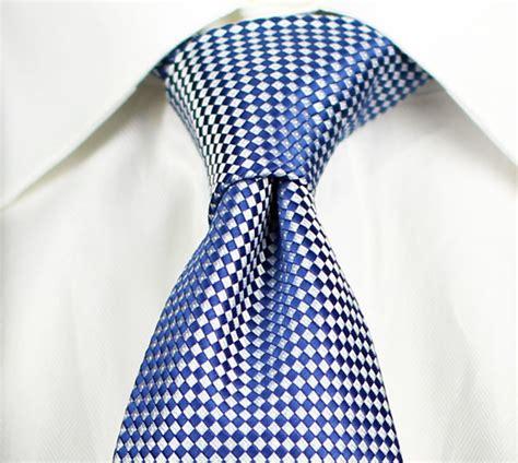 Tie A Necktie Tie A