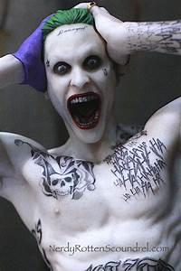 Suicid Squad Joker : toy fair 2016 suicide squad movie statues from dc collectibles ~ Medecine-chirurgie-esthetiques.com Avis de Voitures
