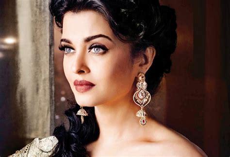 जब ऐश्वर्याले १० करोड मागिन् !  Celebrity Nepal