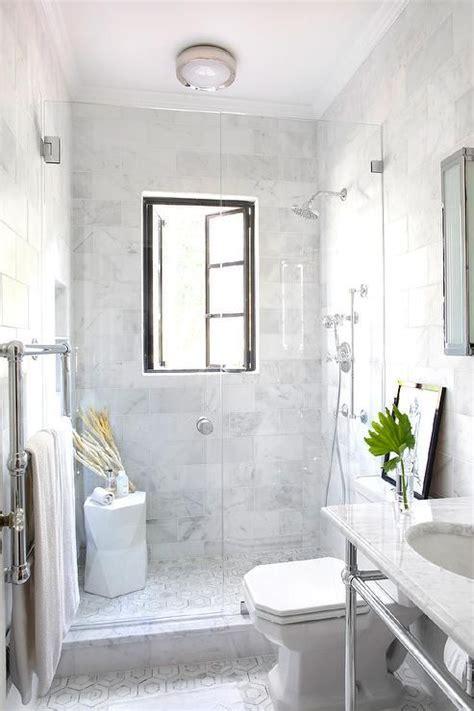 amazing bathroom features  seamless glass walk  shower