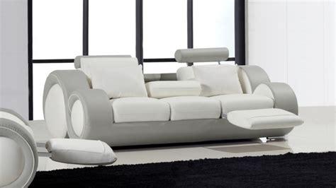 produit pour canapé cuir canapé 3 places relax et design en cuir mobilier moss