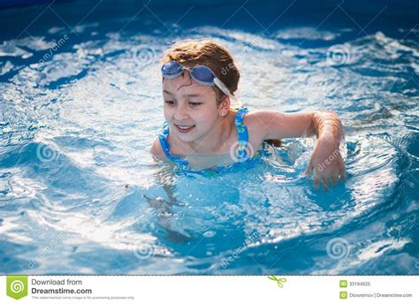 Pretty Little Girl In Swimming Royalty Free Stock Images
