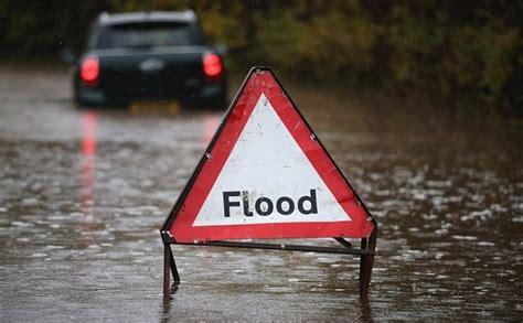 Perang sunyi pemerintah jokowi melawan aktivitas lingkungan. Contoh Teks Laporan Hasil Observasi Tentang Banjir