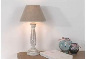 Abat Jour En Bois : lampe de chevet romantique en bois patin e blanchie et ~ Dailycaller-alerts.com Idées de Décoration