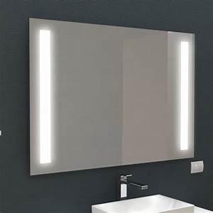 Specchio Retroilluminato Con Fasce Interne Led