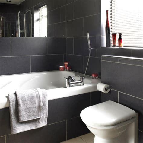salle de bain noir et or le salle de bain design en blanc et noir archzine fr